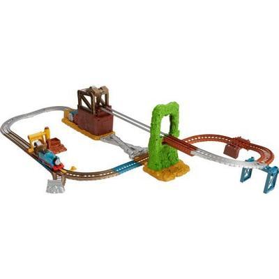 Fisher Price Thomas & Friends Trackmaster Scrapyard Escape Set