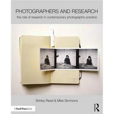Photographers and Research (Pocket, 2016)