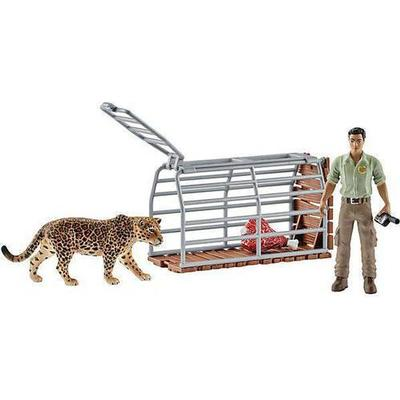 Schleich Trap with Ranger 42427