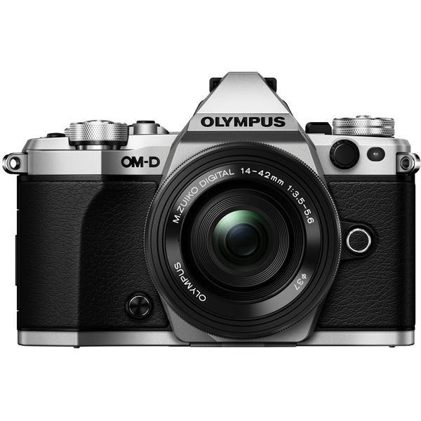 Olympus E-M5 Mark II + 14-42mm EZ