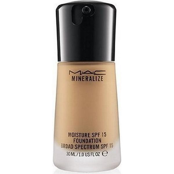 MAC Mineralize Moisture Foundation SPF15 NW43