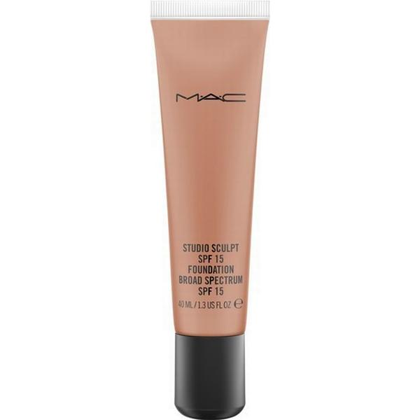 MAC Studio Sculpt Foundation SPF15 NW45