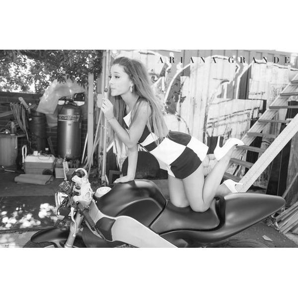 GB Eye Ariana Grande Bike Maxi 61x91.5cm Plakater