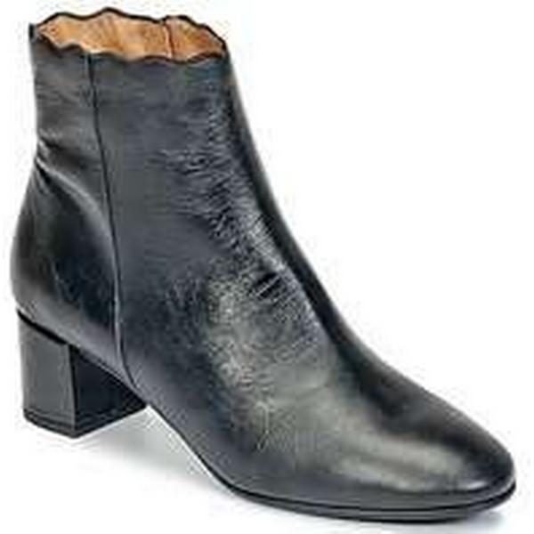 Spartoo.co.uk Betty London HALIA women's Low Ankle Ankle Low Boots in Black cbdd01
