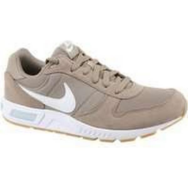 pretty nice eb271 d42ca Spartoo.co.uk Nike Nike Nike Nightgazer men s Shoes (Trainers) in Brown